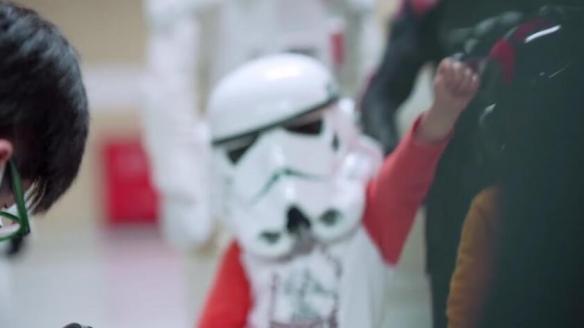 """又一年""""星战日""""《星球大战》官方视频庆祝。"""